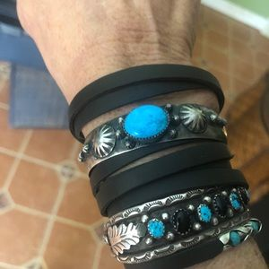 Jewelry - Vintage Native American SS/Turquoise cuff